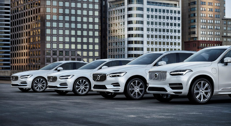 207937_volvo_cars_t8_twin_engine_range_b.jpg
