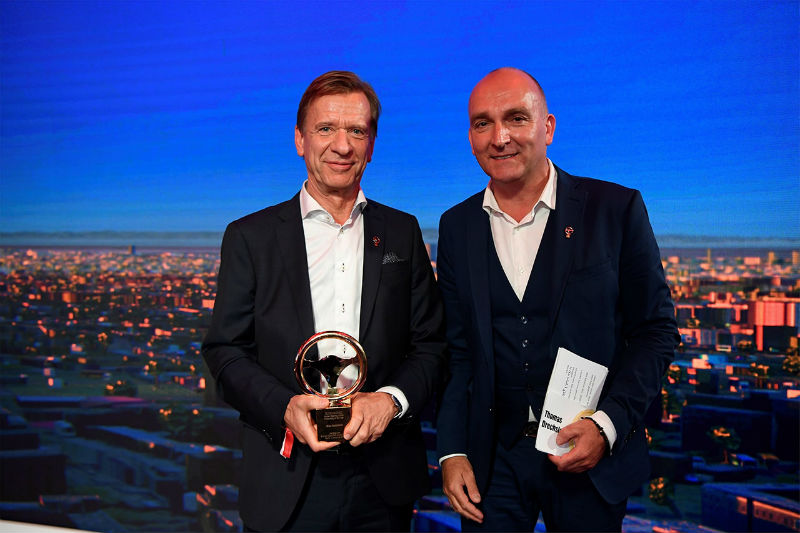 216582_h_kan_samuelsson_wins_germany_s_most_prestigious_automotive_business_award.jpg